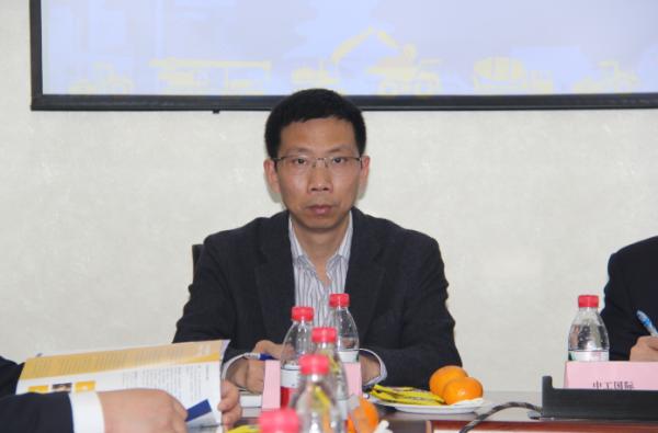 中国中铁生产经营部高级经理姚道雄